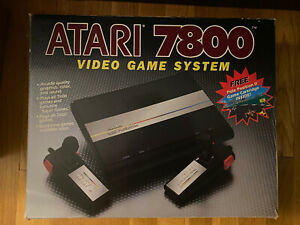 Atari 7800 Console + AV Mod + Box +  3 Controllers + Power + Pole Position II