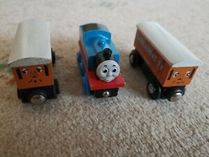Thomas the Tank Engine Wooden Wood Brio Train Set Carriages Annie Clarabel