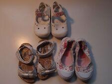 Lote calzado niña número 22: Sandalias, chanclas, zapatillas.