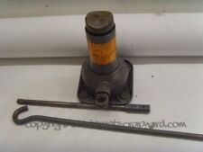 Nissan Patrol 3.0 Y61 ZD30 Genuine OEM fitted bottle jack and handle..