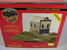 MIOB 1997 ERTL RAILROAD DESIGNS #3014 GENERAL STORE Layout Ready  HO STRUCTURE