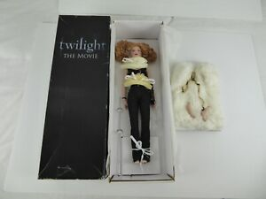TONNER DOLL TWILIGHT THE MOVIE - VICTORIA HIGHLY DETAILED HAND MADE DOLL