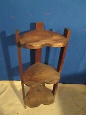 VINTAGE WOODEN PLANT TABLE 3 SHELVES KNICK KNACK CORNER TABLE STAND HEART SHAPED