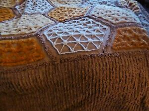 VTGE LATE60s double CANDLEWICK  BEDSPREAD/TUFTED BROWN/ORANGE WHITE