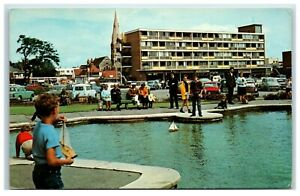 Postcard Bognor Regis Sussex Children's Boating Pool
