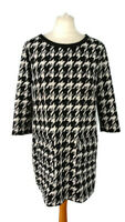 M&S Size 14 Black White Dogtooth Tunic Shift Dress Pockets 3/4 Sleeve Round Neck