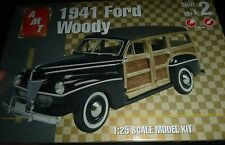 AMT Ertl 1941 FORD WOODY STOCK Model Car Mountain KIT FS
