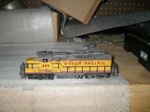 HO WALTHERS GP-9M UNION PACIFIC WEATHERED