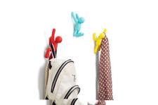 Solutions de rangement multicolore pour la salle de bain