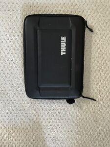 Thule Gauntlet 4.0 Sleeve Case for 13-inch Laptops/MacBook Pro - Black