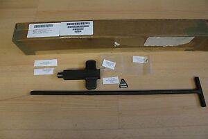 M939 Spare Tire Security Retainer Kit 57K6107 NSN 2590-01-567-7128 Sicherung