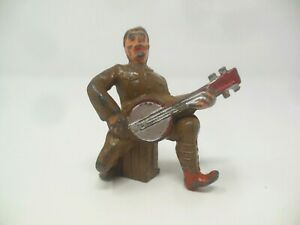 VTG. BARCLAY MANOIL TOY WW1 SOLDIER PLAYING BANJO. NICE! ORIG. PAINT