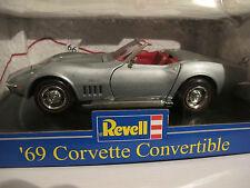 1:18 Corvette Convertible'69 en argent de revell, Route 66, NOUVEAU & NEUF dans sa boîte, RARE
