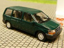1/87 Busch Chrysler Voyager grün 44600