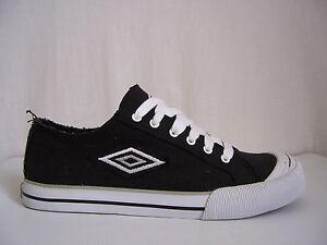 Chaussures Umbro neuves toile canvas Solok pointure 45 coloris noir
