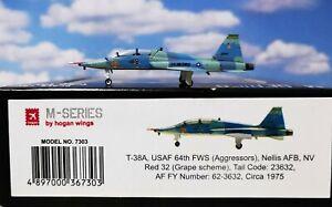 HOGAN WINGS 7303 USAF T-38 Talon T-38A Scale 1:200 M-Series - NEU