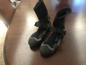 Roxy Youth Wetsuit Booties Size 6