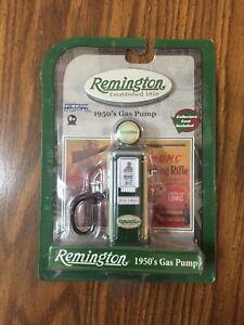 New Remington 1950's GAS PUMP Green / White Diecast Metal w/ Collectors Card