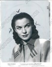 1947 Actress Joanne Dru in Abbies Irish Rose Press Photo