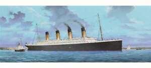 Trumpeter 1/200 Titanic Ship Plastic Model Kit w/ LED Lighting Set
