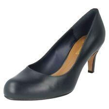 Zapatos de tacón de mujer de color principal azul de piel talla 36