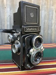YASHICA D TWIN LENS REFLEX CAMERA COPAL MVX Japan 80 MM Lens
