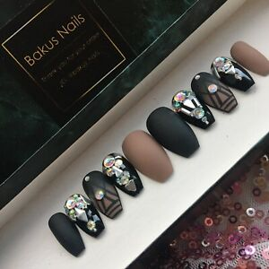 Hand Painted False Nails Matte Black And Nude Diamond Short Coffin Press On Nail