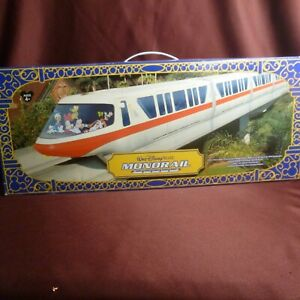 Walt Disney Monorail System - Yellow stripe - Cars, Audio & Lights work - NEW