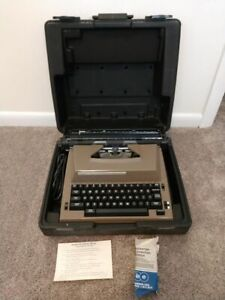 Vintage Sears The Graduate with Correction Portable Electric Typewriter w/ Case