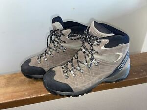 Scarpa Kailash GTX Mens 9.5 Women's 10.5 Hiking Boots Excellent Condition