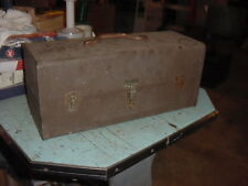 VINTAGE KENNEDY METAL FISHING TACKLE BOX T 18 T18 GOOD USED CONDITION 18x8x7