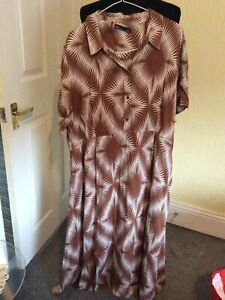 Marks and Spencer Sleeveless Tan & Ivory Print Dress. Size 22.