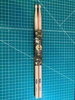 """Hard Rock Cafe Natural Wood Drumsticks 16"""" - London"""
