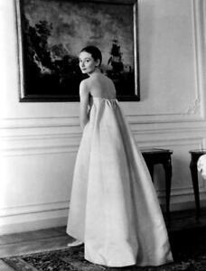 Audrey Hepburn A4 Photo 28