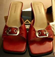 Merona Red Size 7 Cute Buckle Sandal