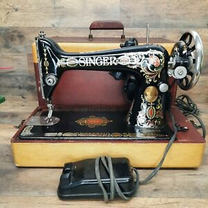 """Antique Singer Sewing Machine Head Model 66 """"RED EYE"""" 1921 In Case With Motor"""