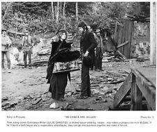 McCABE & MRS. MILLER scene still WARREN BEATTY & JULIE CHRISTIE -- (n159)