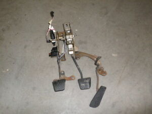 93 Camaro Firebird T56 CLUTCH PEDAL ASSEMBLY brake GAS 97 02 LS1 T5 LT1 Trans Am