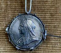 1837-1897🔹️Queen Victoria Diamond Jubilee Silver Medal Pin 25 mm