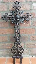 Engelskopfkreuz aus Gusseisen, Unfallkreuz, Kinderkreuz, Grabkreuz, um 1900.