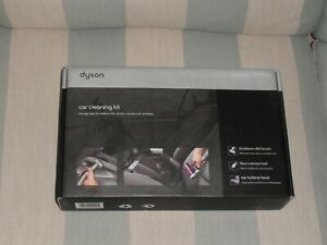 New in box. Dyson car cleaning kit. Purple. Great for cleaning in awkward places