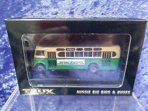 Trax Trux 1/76 1953 Daimler CV Single Deck Bus Route 229 MIB TX1