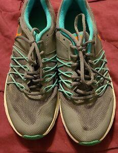 Nike Womans Air Relentless 6 Sz 9 gray