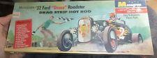 MONOGRAM 1932 FORD DEUCE ROADSTER Model Car Mountain KIT 1/25 FS flat box