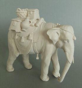 Elefant mit Gepäck für Krippenfiguren Größe 11 cm Holz geschnitzt natur