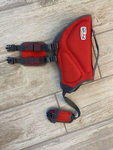 Outward Hound Dawson Swim Life Jacket for Dogs 15-30 lbs Size S Red New