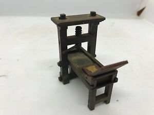 Printing Press Diecast Pencil Sharpener Miniature Vintage Rare (B43)