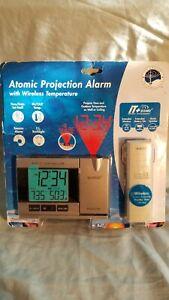 LA CROSSE Atomic Projection Alarm With Outdoor Temperature  WT-5220U-CBP SEALED