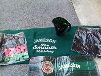 Lot Jameson pichet touilleurs plaid tapis bar stylos 2 t shirts bar pub whisky