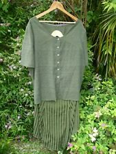 Moss Green velvet-like stripes Skirt Suit 2 Tops/Blouse Scarf x3 -Size 26 or 28